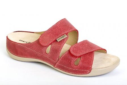 cdda5d678e1e Medistyle ELEN červená. 730 Kč. Zdravotní dámská relaxační obuv ...